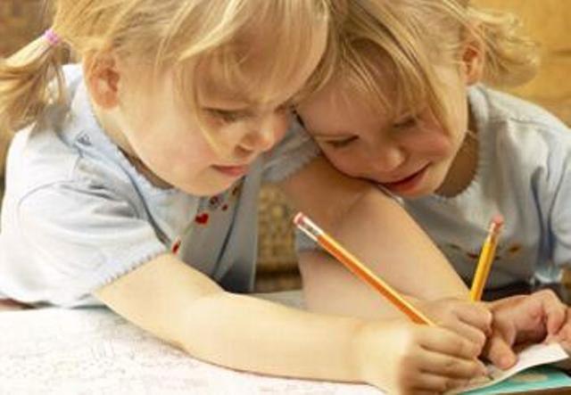 bambini-che-scrivono01